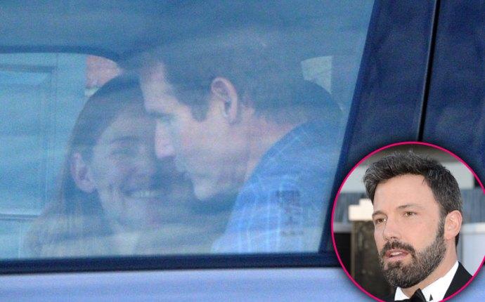 Jennifer Garner Ben Affleck Divorce Dating Mystery Man