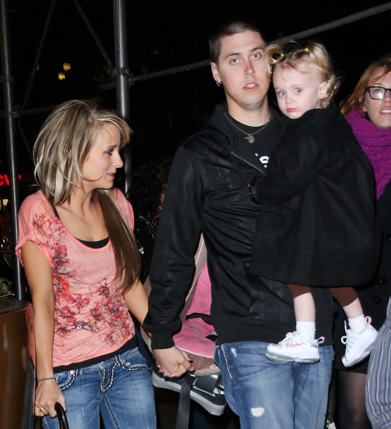 EXCLUSIVE: Teen mom Leah Messer out and about with twins Aliannah and Aleeah with Jimmy Calvert and ex husband Corey Simms in NYC