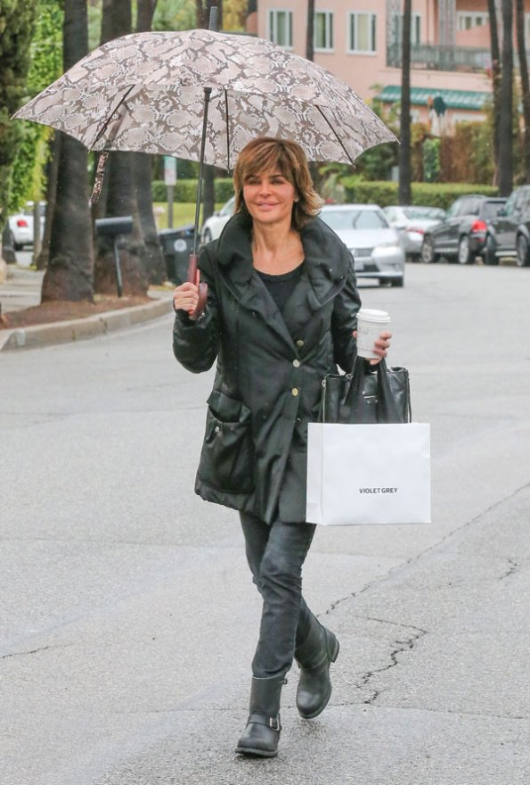 lisa-rinna-rhobh-shopping-03