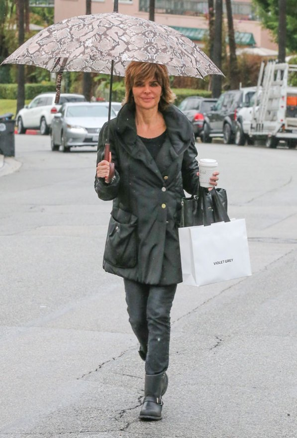 lisa-rinna-rhobh-shopping-05