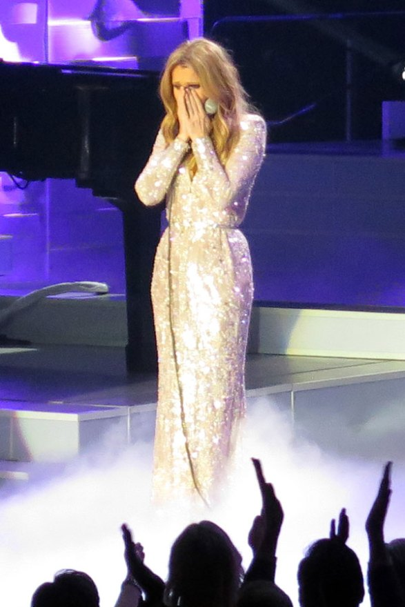 celine-dion-husband-dead-performs-residency-las-vegas-04