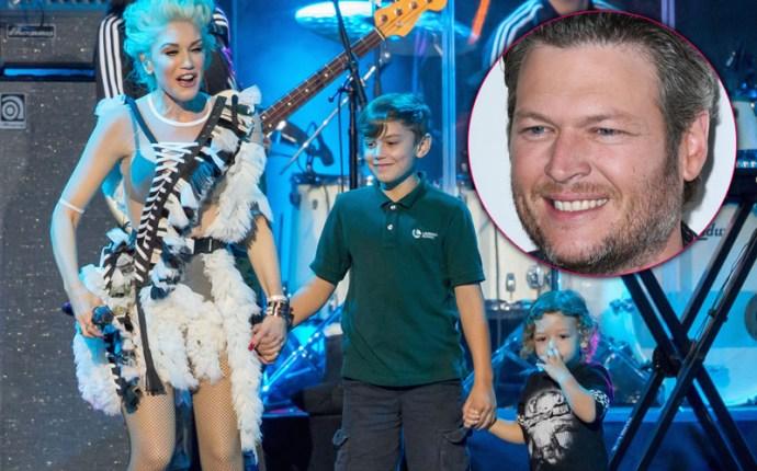 Gwen stefani marrying blake shelton singer brings kids on stage