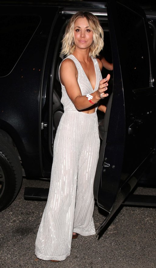 kaley-cuoco-jumpsuit-2016-grammys-after-party-02