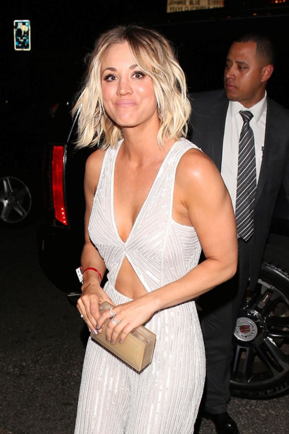 kaley-cuoco-jumpsuit-2016-grammys-after-party-04