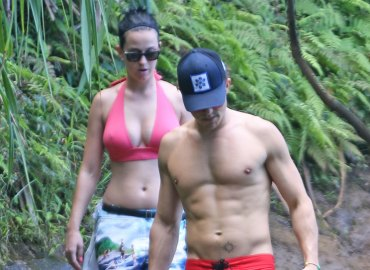 Katy perry dating orlando bloom shirtless topless bikini pics