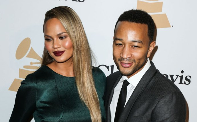 chrissy teigen pregnant self magazine interview john legend ivf