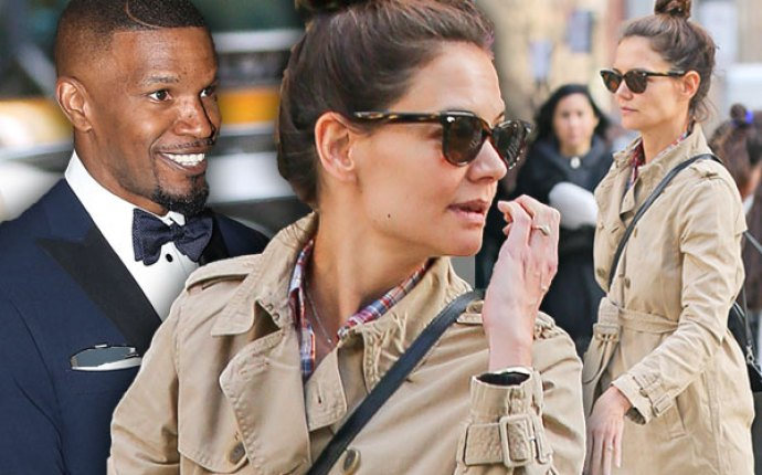 Jamie Foxx Katie Holmes Engaged Ring Rumors Pics 1