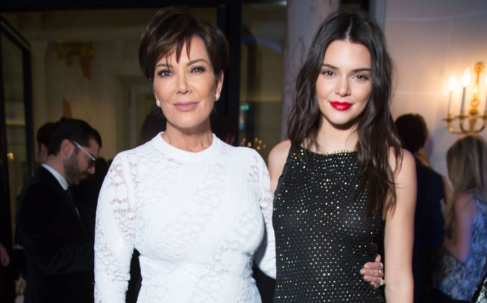 kris jenner kendall jenner paris fashion week party pics