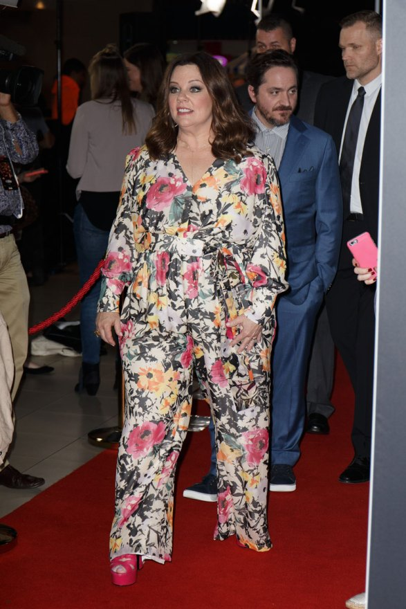 melissa-mccarthy-weight-loss-photos-unflattering-outfit-03