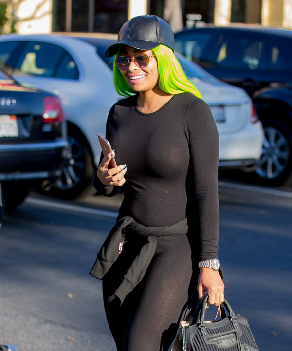 rob-kardashian-blac-chyna-not-broken-up-04
