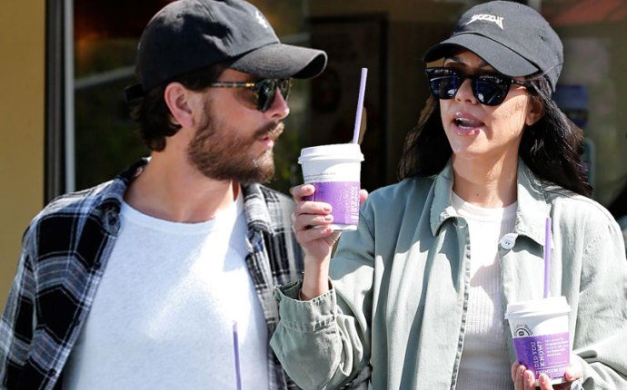scott disick kourtney kardashian relationship reunite mexico drinking girls