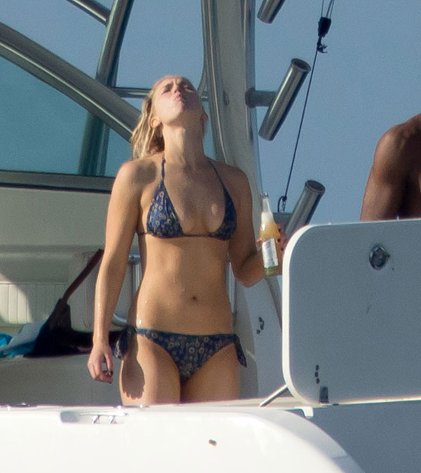 jennifer-lawrence-topless-bikini-photos