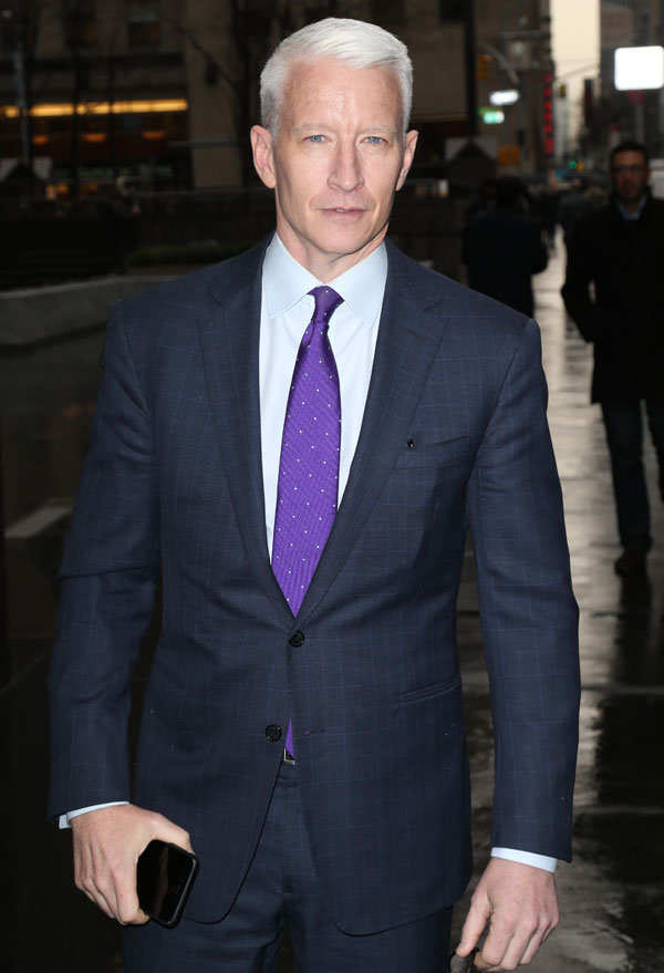 anderson-cooper-michael-strahan-leaves-live-with-kelly-and-michael-05