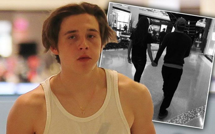 brooklyn beckham parents holding hands instagram divorce rumors