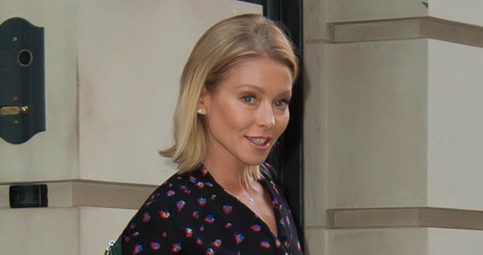 Kelly ripa returns after michael strahan departure announcement
