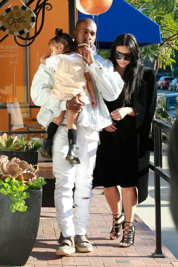 north-west-falls-kim-kardashian-phone-divorce-drama-video-4