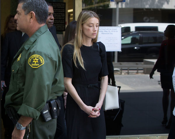 amber-heard-johnny-depp-divorce-domestic-violence-restraining-order-leaves-court-bruise-pics-02