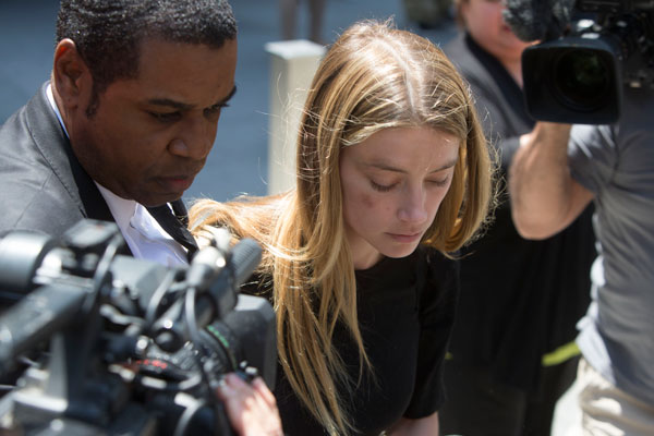 amber-heard-johnny-depp-divorce-domestic-violence-restraining-order-leaves-court-bruise-pics-05