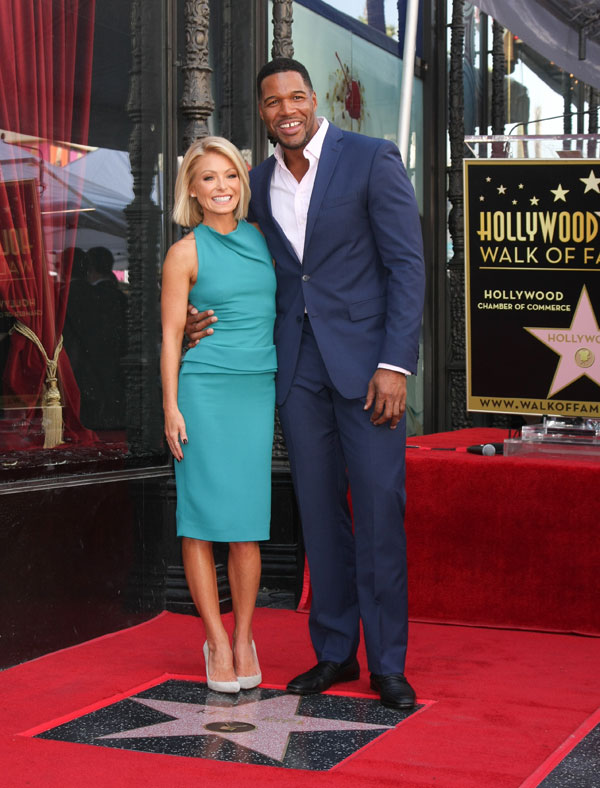 kelly-ripa-michael-strahan-feud-behind-the-scenes-live-with-kelly-and-michael-09
