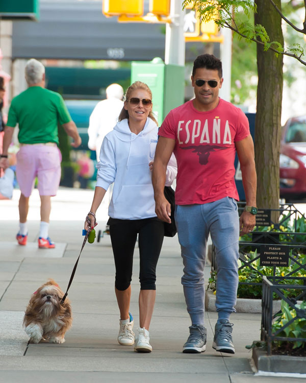 live-with-kelly-ripa-mark-consuelos-husband-work-together-host-07