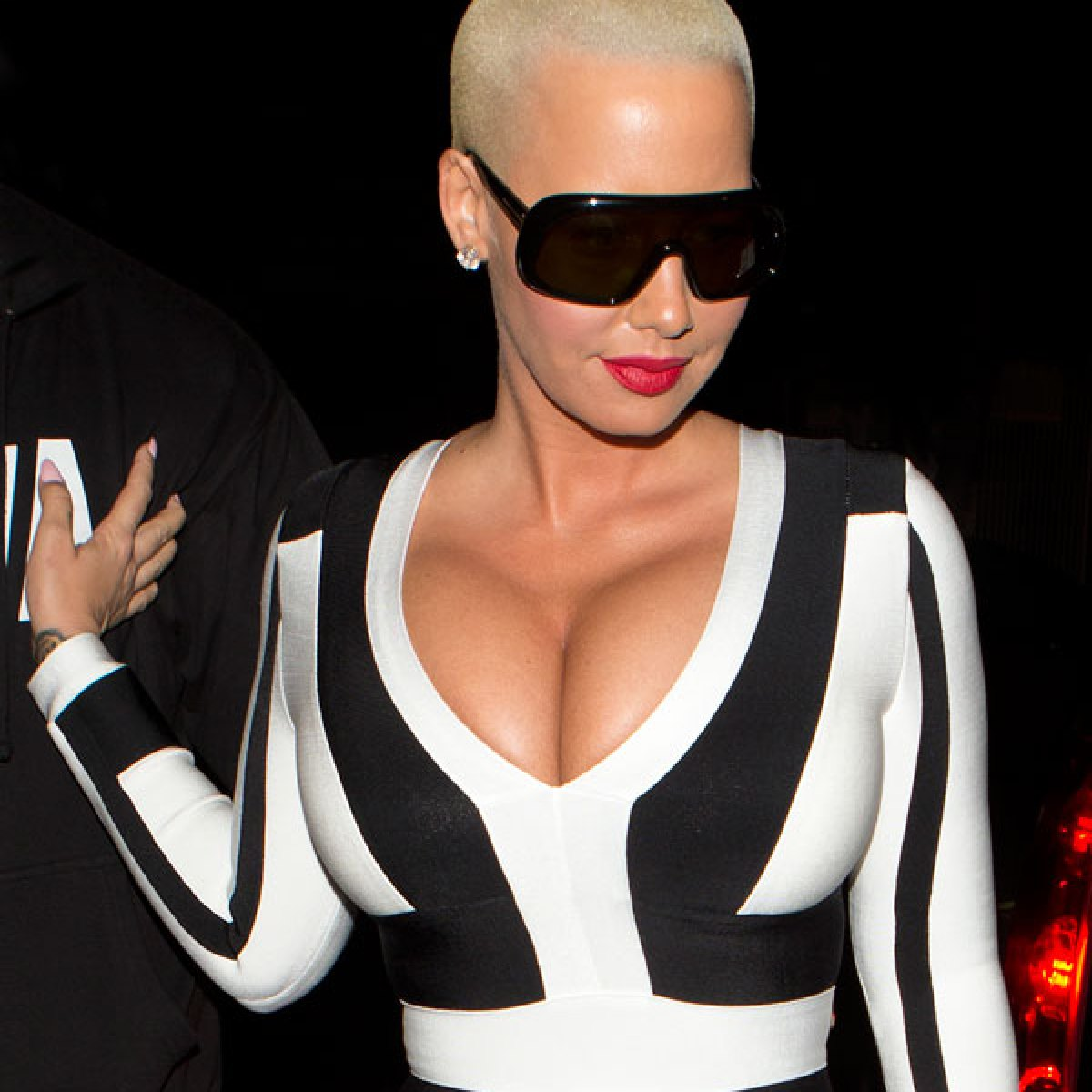 Amber Rose Sextaoe bff betrayal! amber rose trashes blac chyna's new family