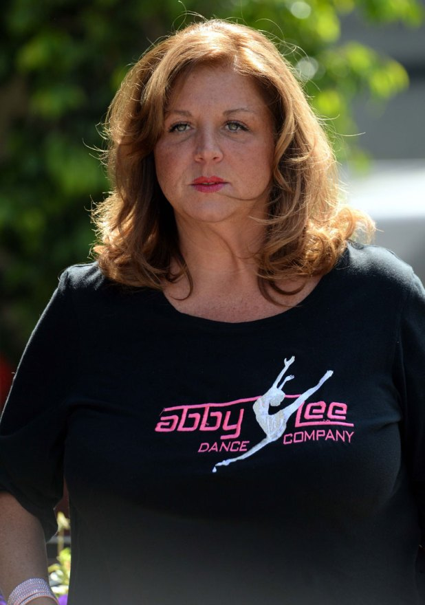 dance-moms-abby-lee-miller-pleads-guilty-bankruptcy-fraud-facing-jail-time-05