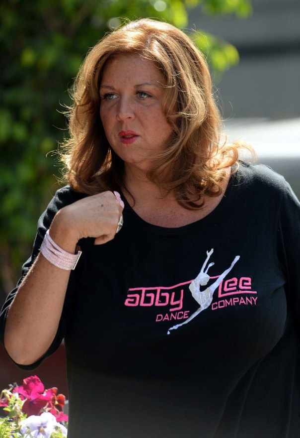 dance-moms-abby-lee-miller-pleads-guilty-bankruptcy-fraud-facing-jail-time-07
