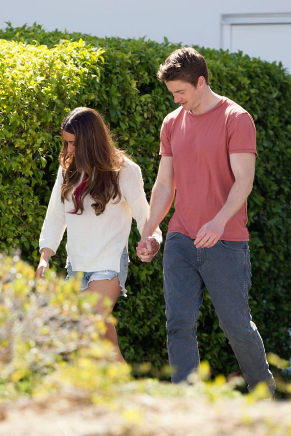 lea-michele-robert-buckley-dimension-404-holding-hands-pics-05