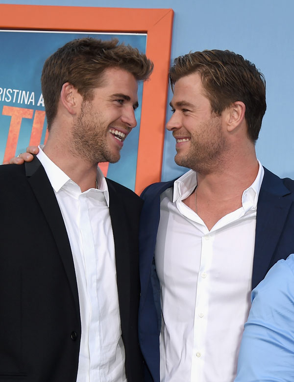 liam-hemsworth-chris-hemsworth-knife-miley-cyrus-wedding-03