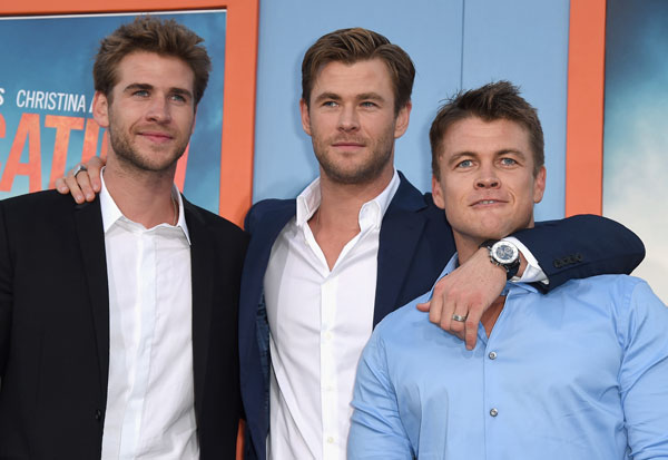 liam-hemsworth-chris-hemsworth-knife-miley-cyrus-wedding-05
