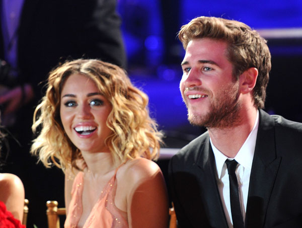 miley-cyrus-liam-hemsworth-secret-wedding-instagram-02