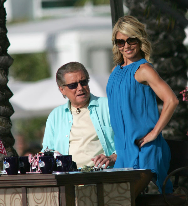regis-philbin-live-with-kelly-return-work-kelly-ripa-04