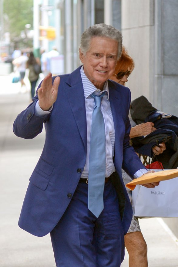 regis-philbin-live-with-kelly-return-work-kelly-ripa-06