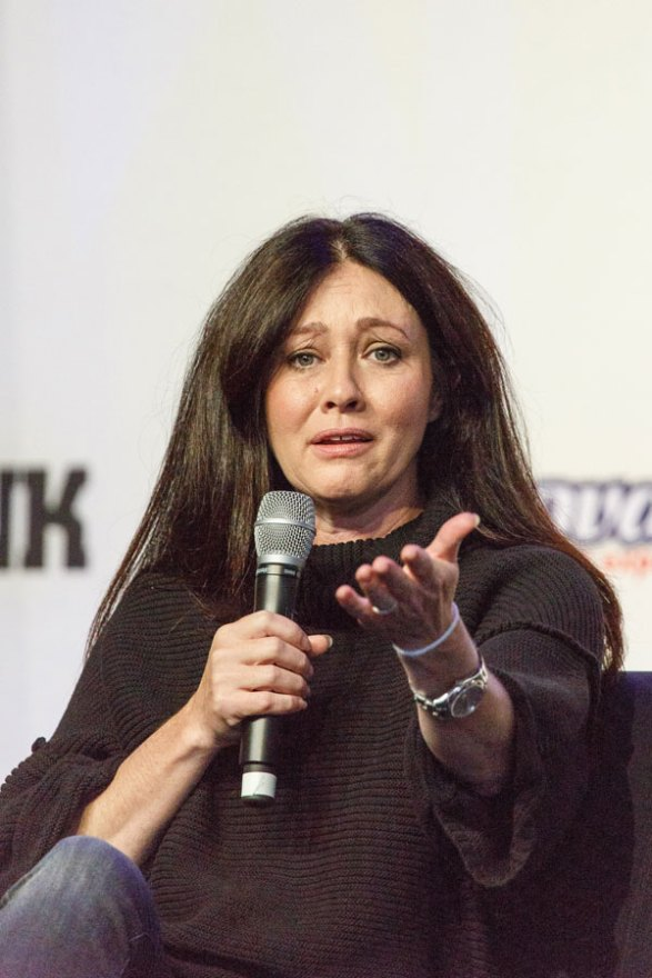 shannen-doherty-cancer-radical-decision-03
