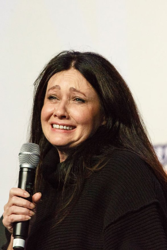 shannen-doherty-cancer-radical-decision-05