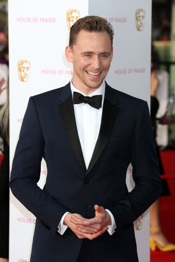 tom-hiddleston-w-magazine-shirtless-naked-dating-taylor-swift-03