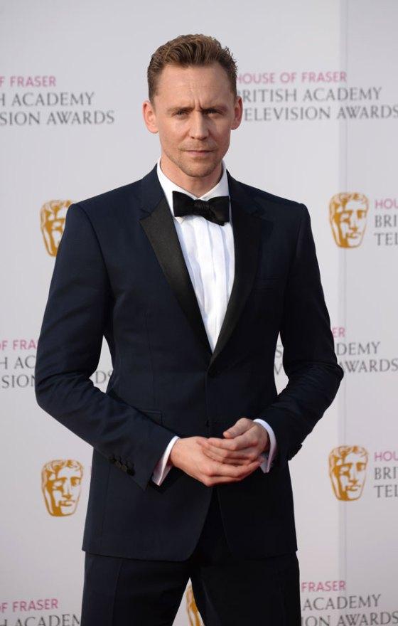 tom-hiddleston-w-magazine-shirtless-naked-dating-taylor-swift-04