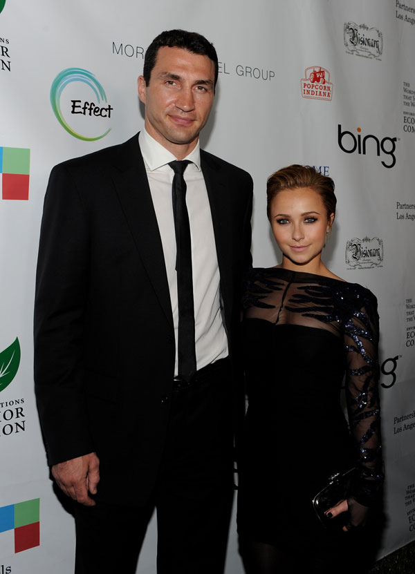 hayden-panettiere-engagement-ring-twitter-03