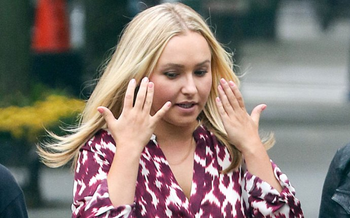 hayden panettiere engagement ring twitter