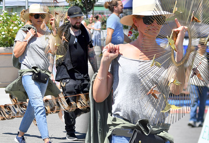 Cameron Diaz Fuels Pregnancy Rumors As She Steps Out With ... Cameron Diaz Baby 2018