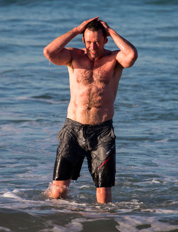 hugh-jackman-shirtless-workout-cancer-beach-pics-2