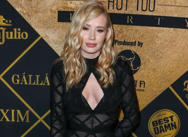 Iggy azalea denies dating french montana