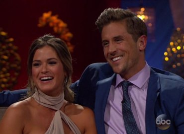 Jojo fletcher engaged jordan rodgers the bachelorette