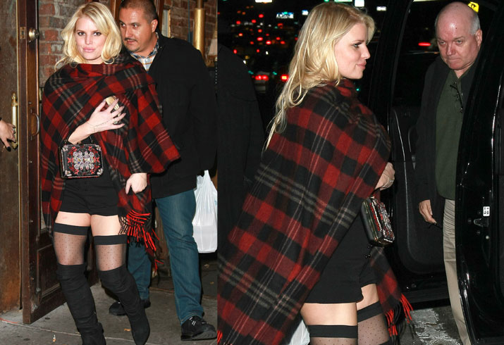jessica-simpson-bare-leg-thigh-high-photos-01