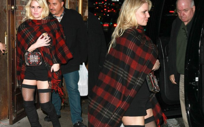 Jessica simpson bare leg thigh high photos 01
