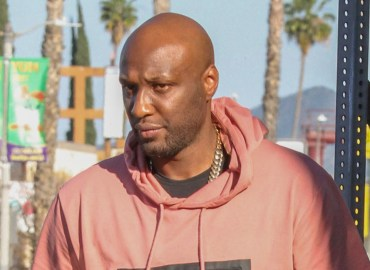 Lamar Odom has lunch with some pals in LA
