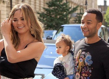 John legend chrissy teigen marriage rocks