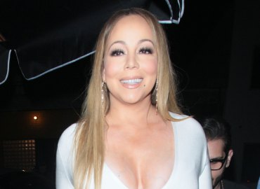 Mariah carey almost snubs britney speaks request selfie