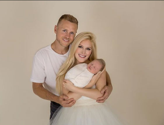 Heidi montag post photos picture perfect family 2