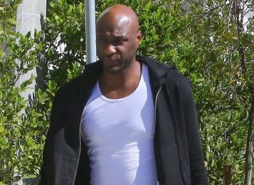 Lamar odom spotted exiting liquor store day before collapse feature